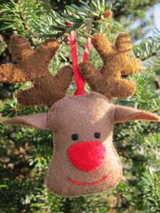 Rudolf-ornament broche