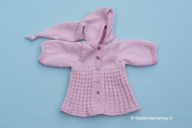 Gebreide jas met puntcapuchon voor Poppie